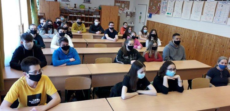 Nyereményeső a Mórának – Esszépályázaton arattak sikert a nyíregyházi iskola diákjai