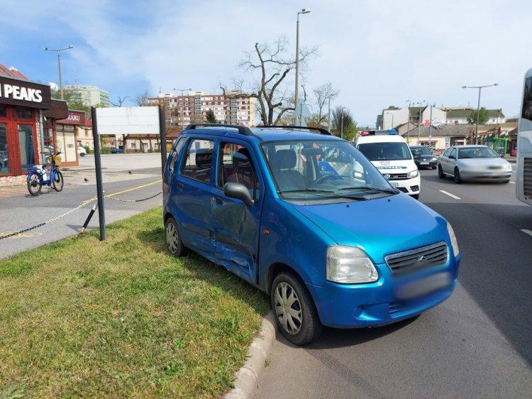 Két személyautó ütközött a Búza utca és a Rákóczi utca kereszteződésében