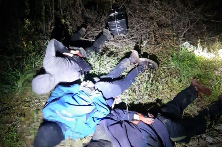 Hiába bújtak a bokrok alá, a kölcsei rendőrök elfogták őket