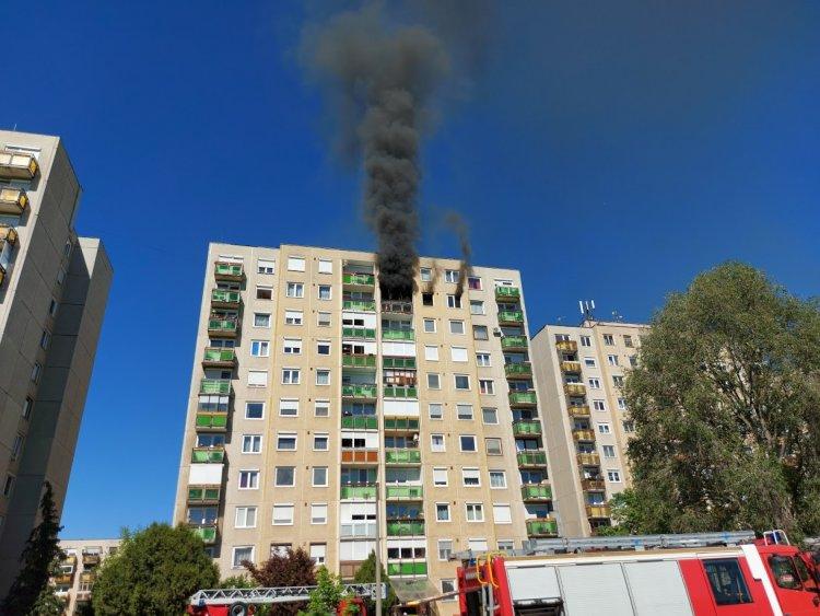 Szabadnapos tűzoltó menekítette ki az embereket a kilencedik emeleti tűzből