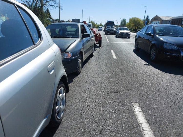 Ráfutásos baleset történt a 41-es főút bevezető szakaszán kedd délelőtt