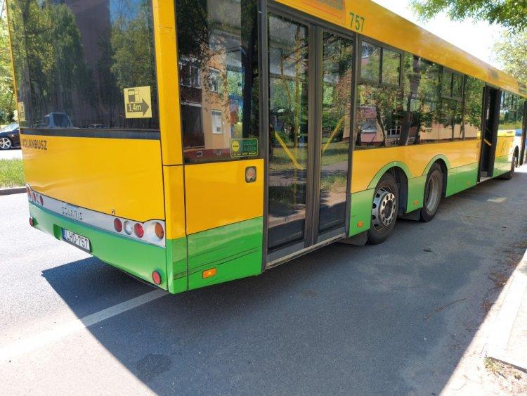 Autóbusznak ütközött egy autós az Északi körúton, személyi sérülés nem történt