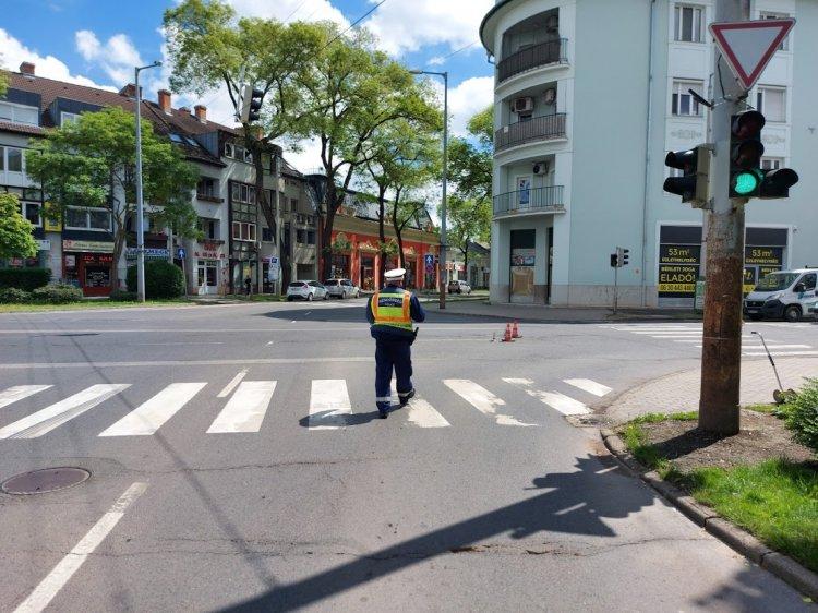 Két személygépkocsi koccant a Luther utcánál