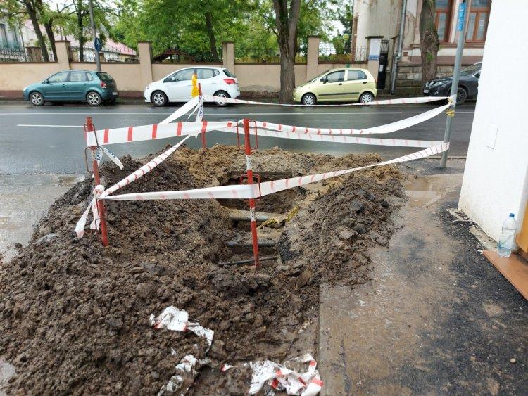 Ideiglenes forgalomkorlátozás mellett dolgoznak a Bocskai utcán a Nyírségvíz szakemberei