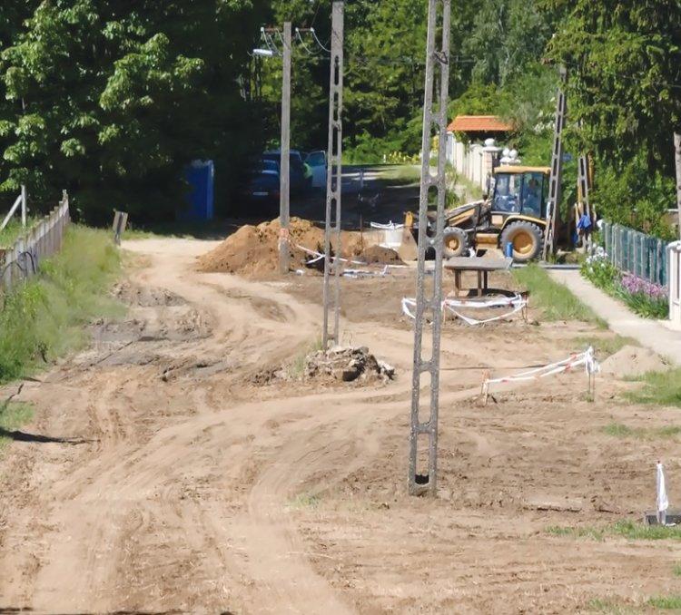 Megkezdődtek az útépítési munkálatok - A lakossági kéréseket is figyelembe vették