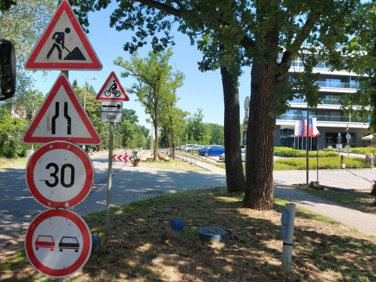 Útszűkületre és sebességkorlátozásra kell számítani Sóstó belterületén
