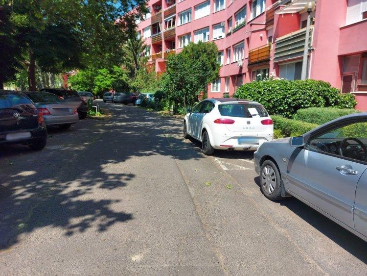 Lezárják a parkolót a Vay Ádám körúton csütörtökön és pénteken