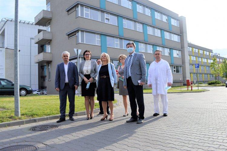 Jenei Zoltán országos kórház-főigazgató ellátogatott a Jósa András Oktatókórházba