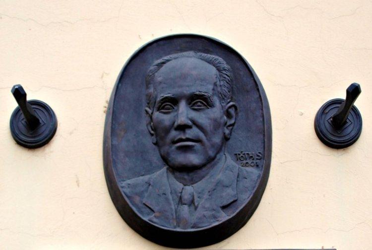 Amiről az utcák mesélnek... - Dr. Sarvay Tivadar születésének 130. évfordulójára