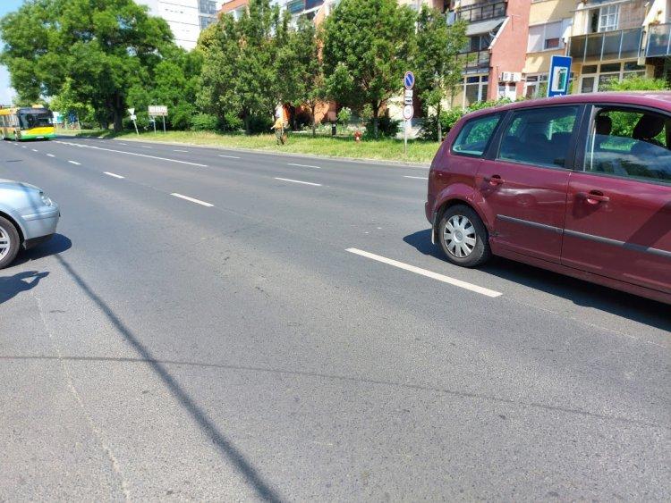 Két jármű karambolozott a Pacsirta utcán, személyi sérülés nem történt