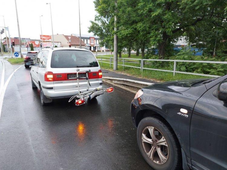 Ráfutásos baleset történt a Debreceni úti felüljárón