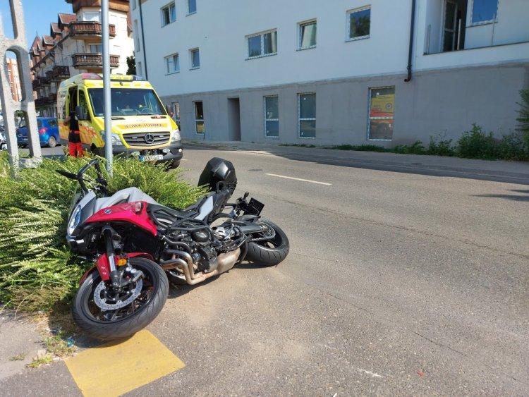 Súlyos motoros baleset történt a Kígyó utcán