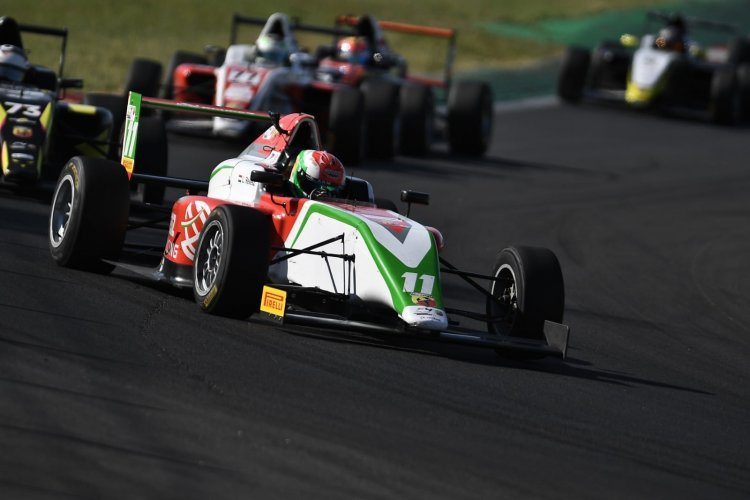 Dobogón a Formula 4-ben - Révész Levente második lett az újoncok között