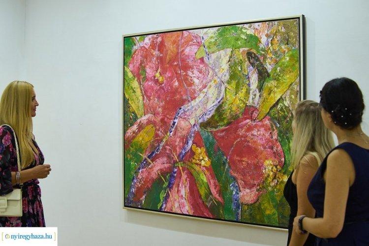 Nyári Tárlat: színes és mozgalmas kiállítás a galéria emeleti termeiben