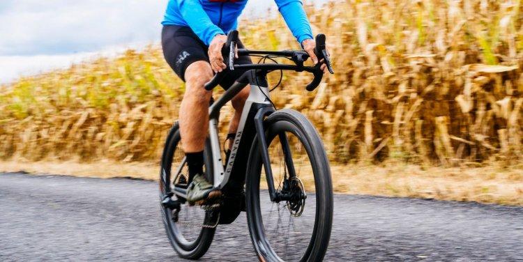 Kerékpáron szabályosan – Vannak, akik még az autópályára is biciklivel hajtottak fel