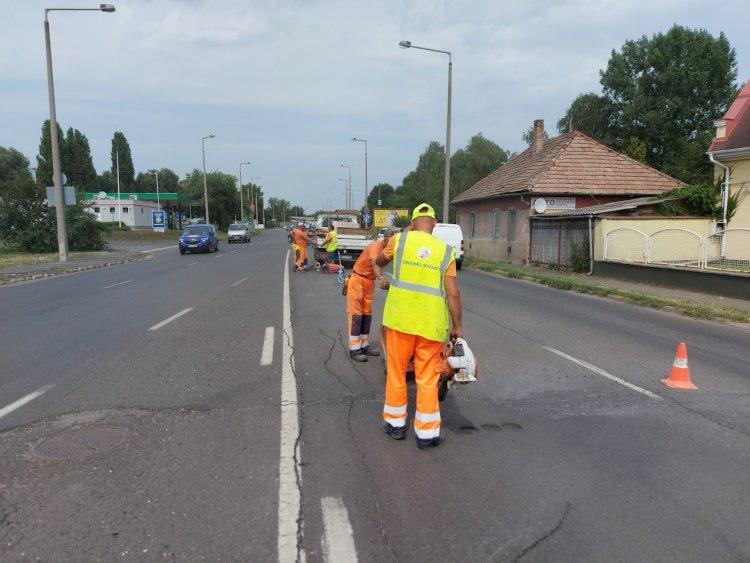 Forgalomkorlátozás a Pazonyi úton: munkálatokat végeznek a Magyar Közút szakemberei
