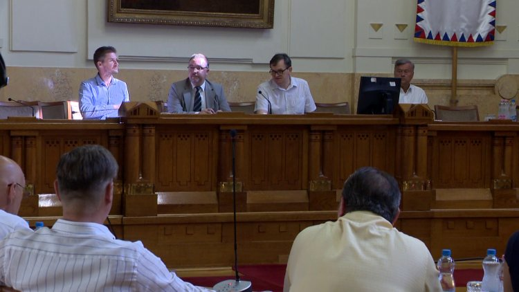 Infrastrukturális fejlesztések finanszírozásáról is döntöttek a megyeházán
