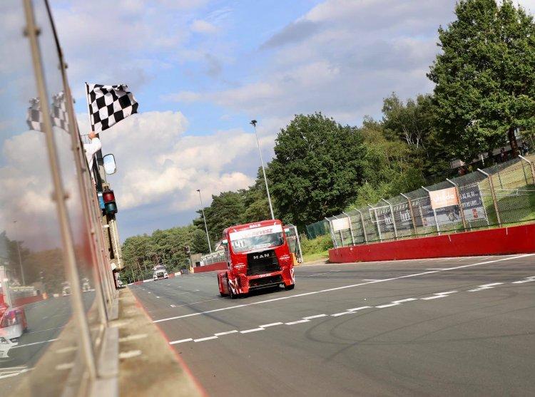 Révész Racing - Vasárnapra is jutott egy győzelem Zolderben