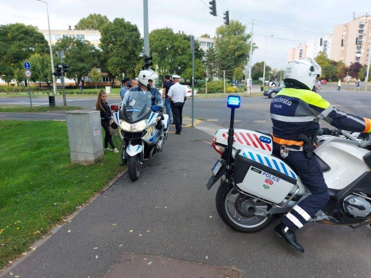 Szituációs gyakorlattal folytatódott a rendőrök forgalomirányító versenyrevaló készülése