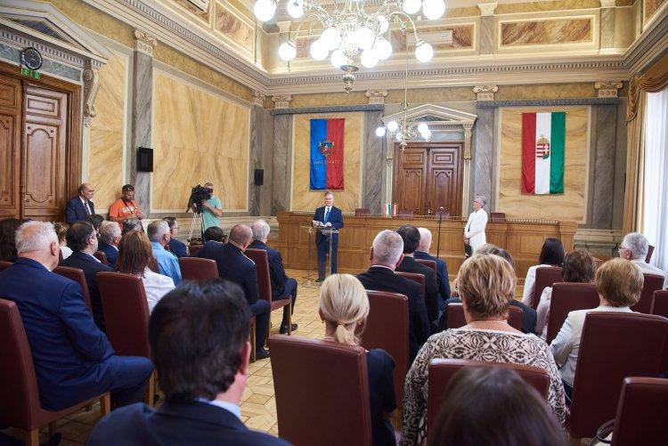 Rangos állami elismerést kapott dr. Barabás László tiszteletbeli konzul