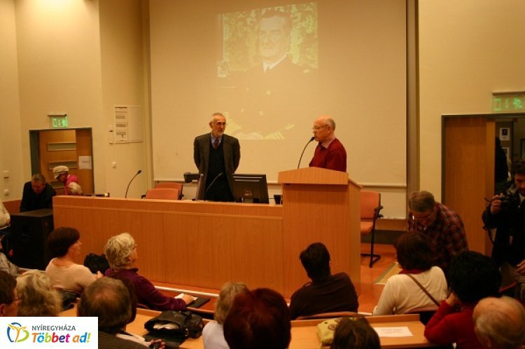 Diktátorok I.- Történelmi előadás-sorozat a Deék Ferenc Akadémia Egyesület szervezésében