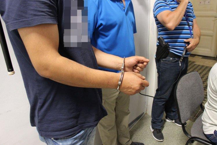 Lezárt ügy: Embercsempészeket fogtak el a szabolcsi nyomozók jelzésére Győr közelében