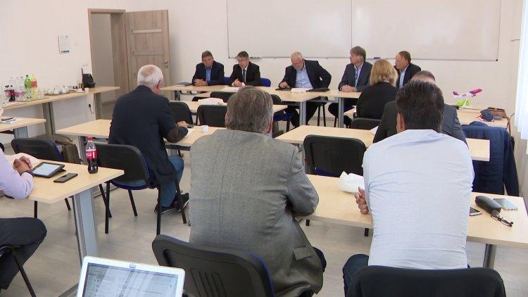 Repülőtér – A vidéki repülőterek fejlesztési lehetőségeiről is tárgyaltak