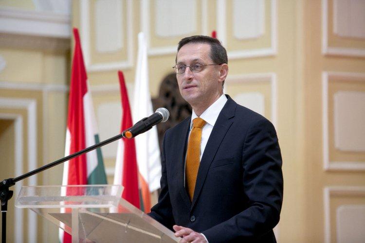 Varga Mihály: döntött a kormány a családi adóvisszatérítés részleteiről