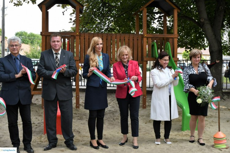 Játékudvar átadás – Családi nap és újabb fejlesztés a Móriczban