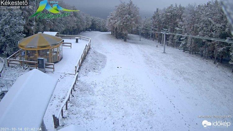 Beköszöntött a tél, hótakaró borítja az ország legmagasabb pontját is